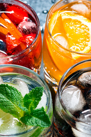 Fresh ice fruit drinks. Urheber: cook_inspire (fotolia)